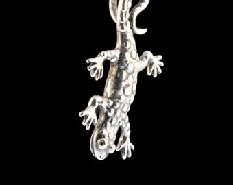 Salamander Necklace Spotted Salamander Charm Lizard Necklace Amphibian Jewelry Newt Charm Gecko Gecko Charm Gecko Necklace Gecko Jewelry