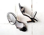 Vintage 1960s Heels / Dryad Leaf Sandals / 60s Shoes / Size 10