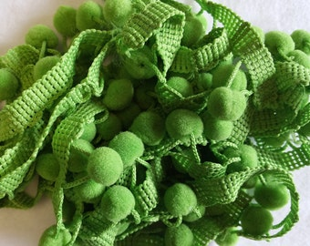 TR024 ~ Green trim Small pompoms Cotton