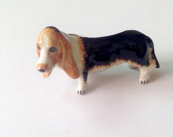 Dog figure, Beagle, Black Brown Ceramic Dog Figure, ceramic figure, animal figure, dog figurine, animal figurine, decoration, decor