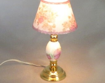 Dollhouse Miniature Lighted Ceramic Pink Floral Table Lamp