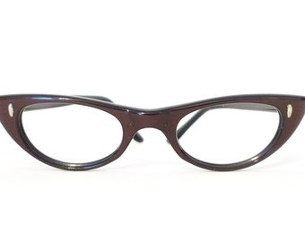 Beautiful Mulberry Cat Eye Glasses NOS PLum Pointy Winged CatsEyes True Vintage Sunglasses Frame Women Rockabilly Never Used Burgundy