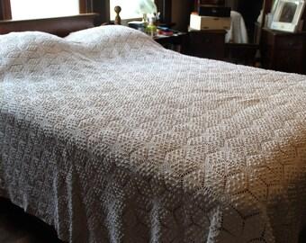 Vintage Hand Crocheted Winter White Cotton Heirloom Bedspread 96 X 82 Full