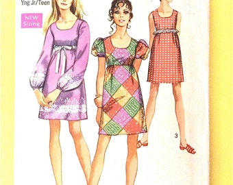 Simplicity 8639 Late 1960s Misses' Mod Mini Dress Puff Sleeves Scoop Neck Puff Sleeves Vintage Sewing Pattern Bust 32 Waist 25