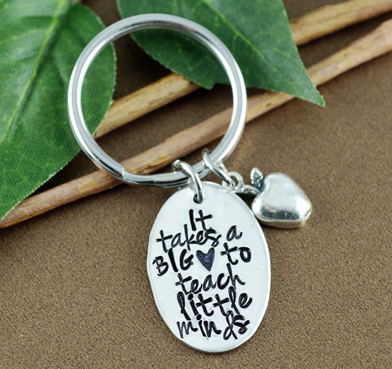 It Takes a Big Heart to Teach Little Minds | Thank you gift for Teacher | Gift for Teacher | Teacher Appreciation Gift | Teacher Keychain