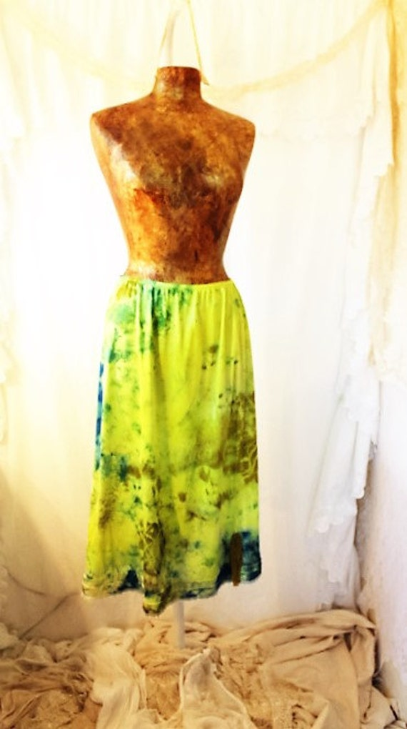 Large Tie Dye Skirt/Neon Boho/Neon upcycled skirt/Anthropology Dress/Maternity/Tie Dye Slip Skirt/Neon Daisy Fairy Dress/Vintage half slip