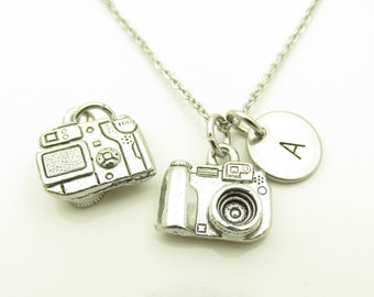 Camera Necklace, Camera Charm Necklace, Personalized Initial Necklace, Stamped Initial Letter, Photography Necklace, Silver Camera Y276