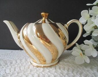 Sadler Teapot * Gold Swirl Stripe * Classic Vintage Tableware