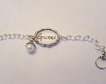 Small Oval Grandmother/Name Bracelet