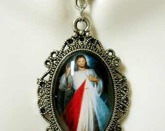 Divine Mercy pendant with chain - AP04-389