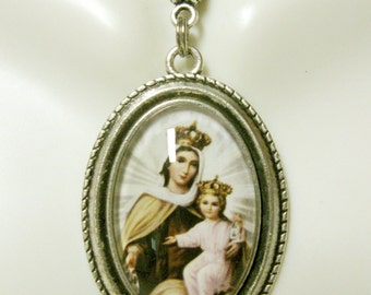 Our Lady of Mount Carmel pendant and chain - AP26-160