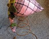 Strawberry Vintage Mattress Spring - Soft Pink Wool