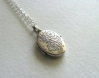 Sterling silver oval vintage photo locket, floral etching on silver chain, antique keepsake