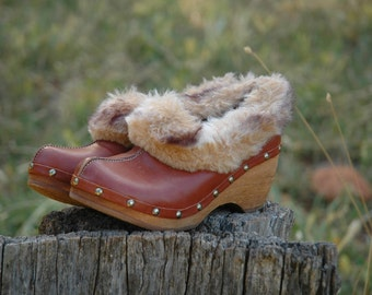 Size 6.5/7... Fur Lined Clogs... Leather and Wood... Romanian Made... Euro Size 37