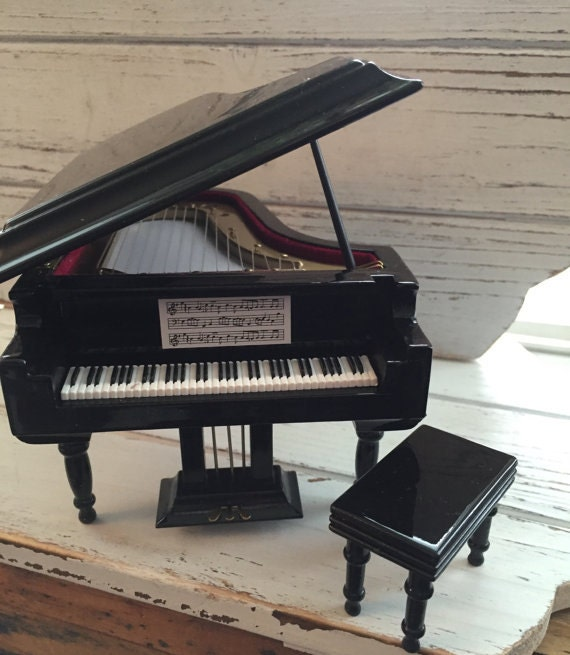 Miniature Black Grand Piano with Stool, Dollhouse Miniature, 1:12 Scale, Dollhouse Accessory, Music Room, Decor, Dollhouse Furniture