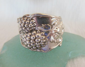 Antique Spoon Ring  Sterling Silver  Grapes   Size 7