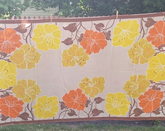 Vintage Munnier Tablecloth w/ 6 Napkins