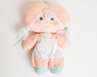 Vintage 80s Strawberry Shortcake Kenner Apricot Plush Rag Doll