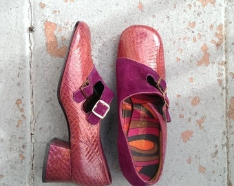 Vintage 1960s/70s  Purple Leather Buckled Heels