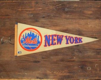 New York Mets Baseball Pennant, souveneir flag