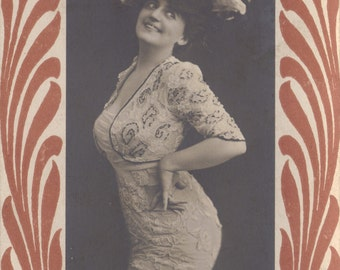 Janet Doré, Edwardian Stage Performer, British Postcard circa 1903