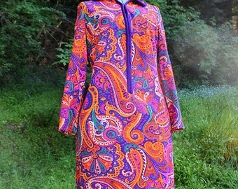 1960s Vibrant Paisely Shift Dress // NPC Fashions // Small or Medium