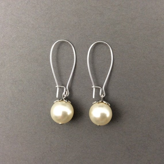 Pearl Earrings In Silver With Cream Swarovski Crystal Pearls
