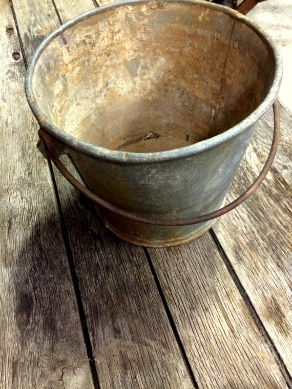 Vintage galvanized pail antique metal pail with iron handle for Galvanized well bucket