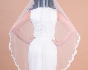Mantilla Lace bridal veil,  one layer veil with scallop shape lace trim fingertip length veil, soft veil