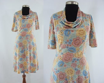 Sale - Vintage Seventies Dress - 1970s Floral Dress - 70s Day Dress - XL Floral Dress - Short Sleeve Dress
