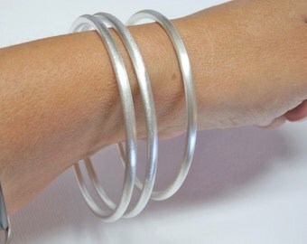 One EXTRA HEAVY Fine Silver Bangle 3mm Thick Stackable .999 Pure Silver Bangle Bracelet