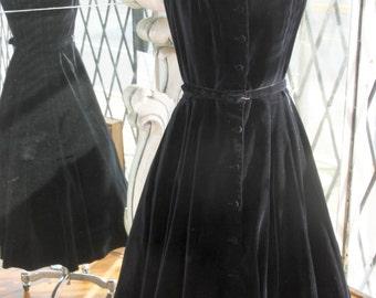 Vintage 1950s Jonathan Logan Black Velvet Swing Dress