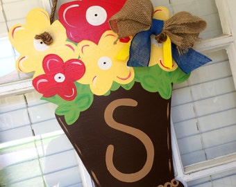 Personalized Flower Pot Door Hanger / Floral / Spring / Summer / Welcome / Initial
