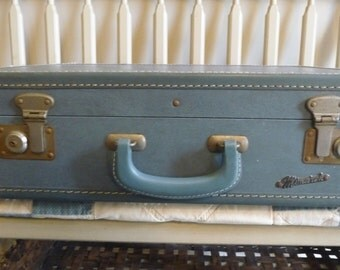 Vintage Suitcase Luggage Travel, hard sided, blue