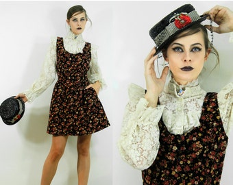 Dress Vintage Chintz Flowers Country with Hidden Pockets // Clothing by TatiTati Style on Etsy