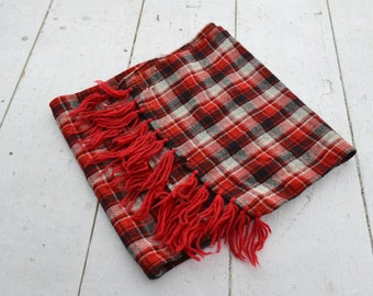1970s Red Wool Plaid Scarf