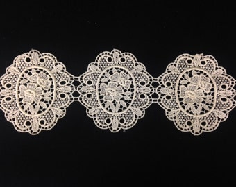 Vintage Embroidered Ivory Floral Lace Frame Trim! Great for DIY Wedding, Bridal decorations or dress design!