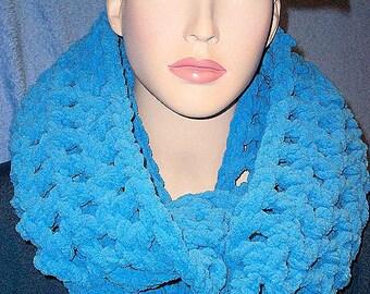 Crochet Infinity Scarf, Blue Crochet Infinity Scarf, Blue Chunky Infinity Scarf, Handmade Scarf,Plush Crochet Scarf, Chenille Infinity Scarf
