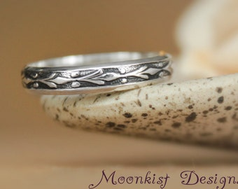Fleur de Lis Wedding Band in Sterling Silver - Narrow Floral Pattern Band - Sterling Silver Floral Ring - Promise Band - Commitment Band