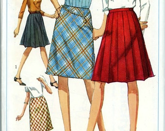 1966 A Line Skirt with Pleated Option Sewing Pattern Simplicity 6646, Waist 28, Hip 38, Uncut