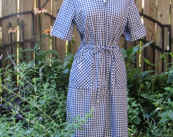 Vintage 70s Blue and White Checkered Gingham Garden Summer Sun Dress with Oversized Front Pockets and Original Belt by Sears / Medium