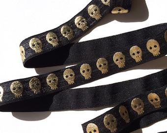 "5/8"" Metallic Gold Skull, Black Base FOE"