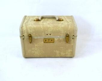 Vintage 1950s Samsonite Tan Marbled Train Case, Make Up Case, Lingerie, Travel, Storage