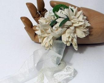 Brides Kiss- Nosegay/Small Bouquet/Tussie Mussie/Corsage