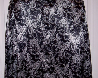 Vintage Ladies Black & White Paisley Satin Blouse by A K Collectibles Size 6 Only 5 USD