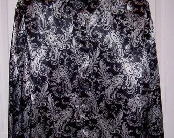 SAlE 60% Off Vintage Ladies Black & White Paisley Satin Blouse by A K Collectibles Size 6 Now 2 USD