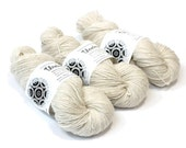 Kainuu Grey Finnsheep wool yarn Unelma, 100 g, natural white