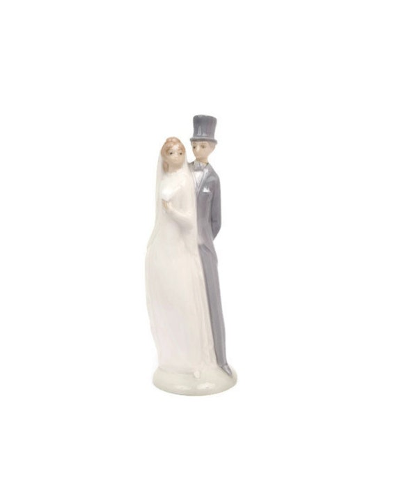 Vintage Wedding Cake Topper NAO Lladro Bride And Groom Statue