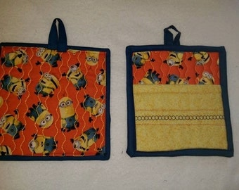 9 X 8 Minions, Pot Holder, Hot Pad, Oven Mitt, Insulated, Quilted, Kitchen, Kids, Fun
