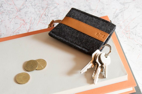 Felt and leather KEY HOLDER, key case, charcoal and tan, wool felt, handmade, made in Italy
